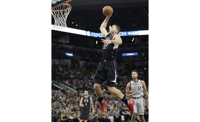 Griffin anota 28 puntos en triunfo de Clippers