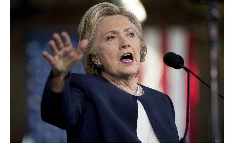 LO ULTIMO: Pence insinúa su disgusto con anuncio del FBI
