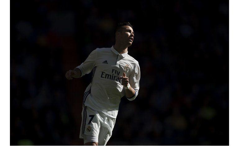 Cristiano Ronaldo renueva con el Madrid hasta 2021