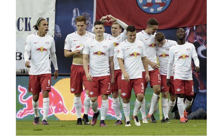 Leipzig alcanza a Bayern Múnich en la cima de la Bundesliga
