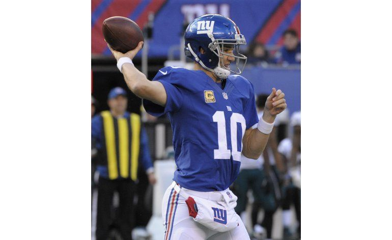 Con 4 touchdowns de Manning, Giants vencen 28-23 a Eagles