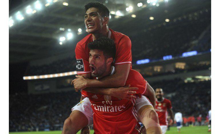 Con gol agónico de López, Benfica empata 1-1 ante Porto