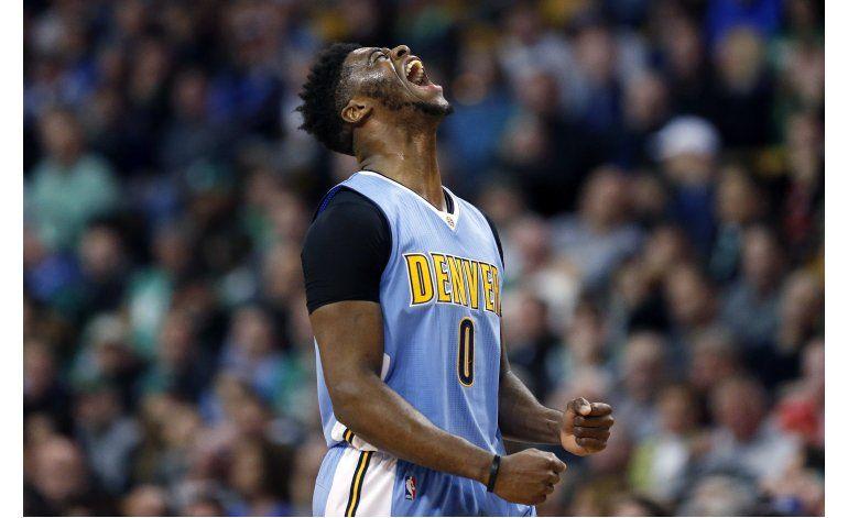 Gracias a 30 de Mudiay, Nuggets arrollan a Celtics