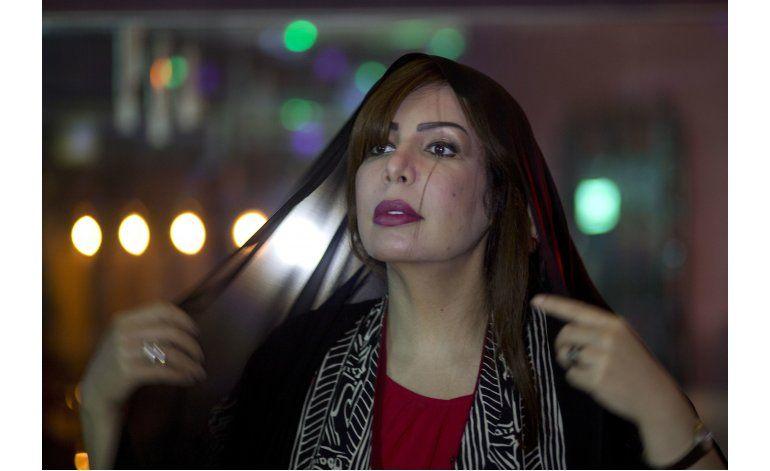 Dice que ley islámica no discrimina a la mujer, lo paga caro