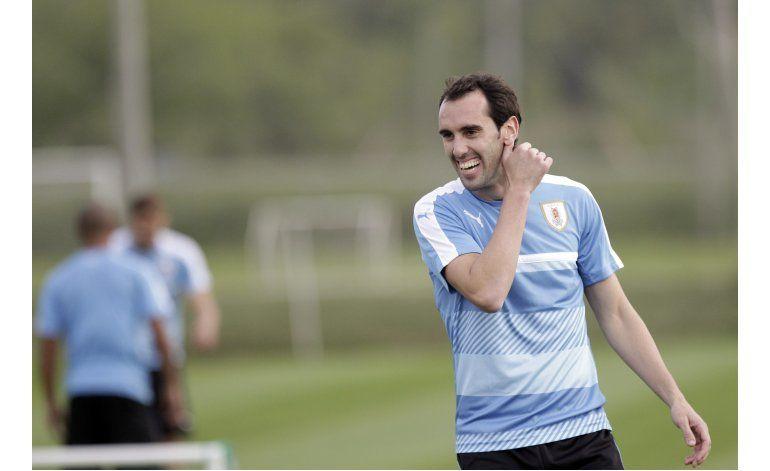 Tabárez confiado de mantener dominio de Uruguay en casa