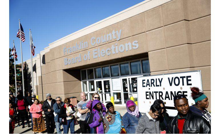 Votación anticipada récord podría dar ventaja Clinton