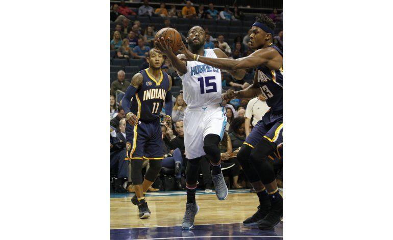 Hornets aplastan 122-100 a Pacers tras arrasar en 1er tiempo
