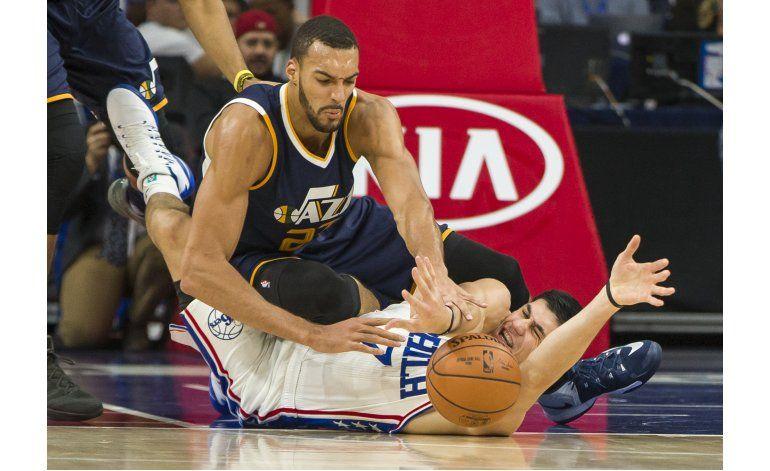 Jazz endilga otra derrota a los 76ers