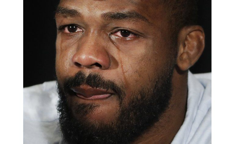 Campeón semipesado de la UFC, suspendido por dopaje