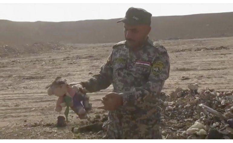 Expertos iraquíes investigan fosa común cerca de Mosul