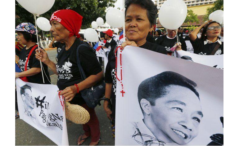Autorizan sepelio de Marcos en cementerio filipino de héroes