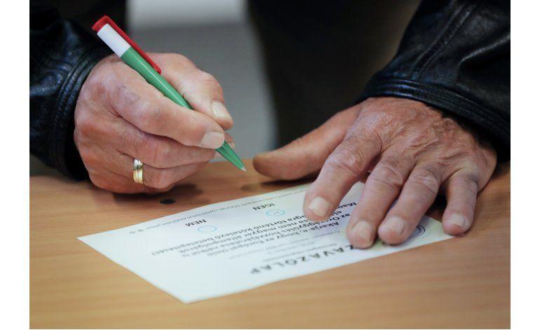 Rechazan cambio antiinmigrante a constitución de Hungría