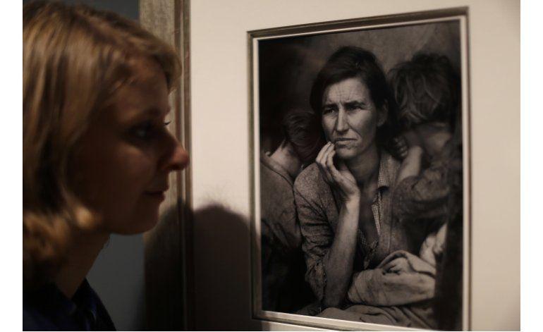 Tesoro fotográfico de Elton John se exhibe en el Tate Modern