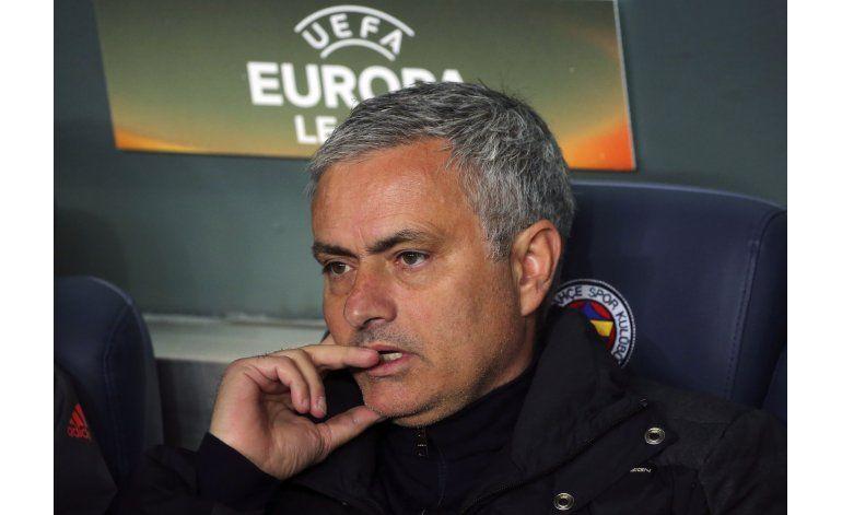 Mourinho la emprende contra sus jugadores en Man U