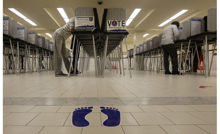 Encuestas de salida: Estadounidenses votan con reservas