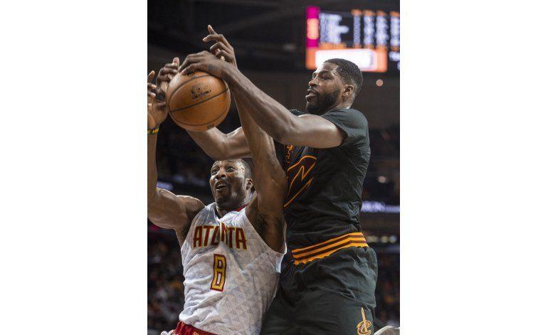Hawks propinan a Cavs su 1ra derrota de la campaña