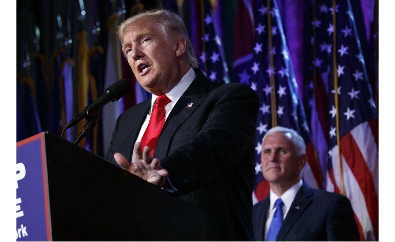 Clinton: Debemos a Trump la oportunidad de dirigir