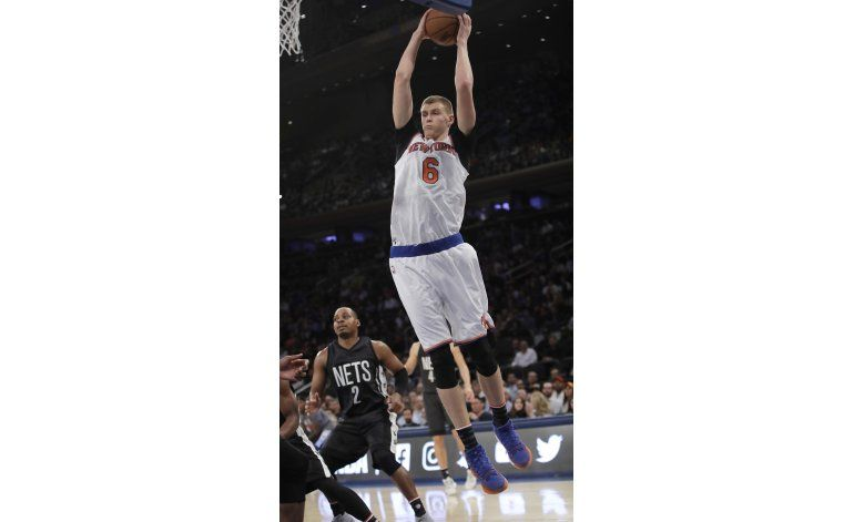 Carmelo Anthony anota 22, Knicks vencen 110-96 a Nets