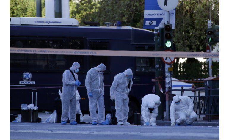 Lanzan una granada a la embajada francesa en Atenas