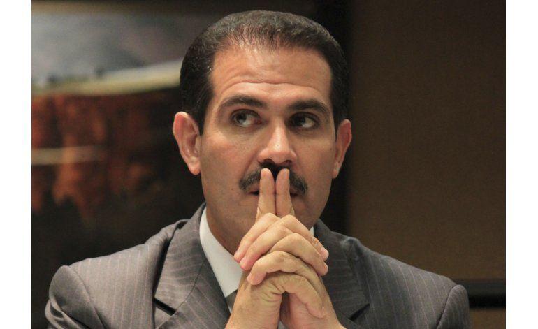 México: Se entrega exgobernador sospechoso de corrupción