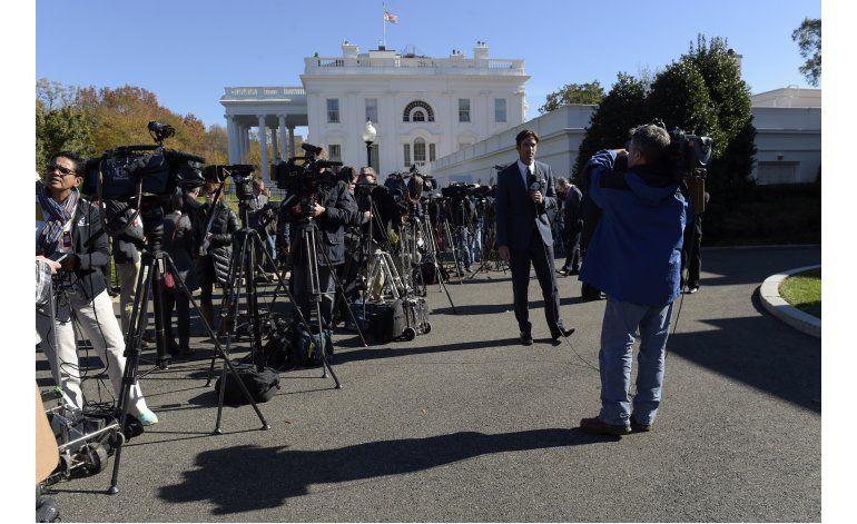 Trump rompe con protocolo y niega acceso a la prensa