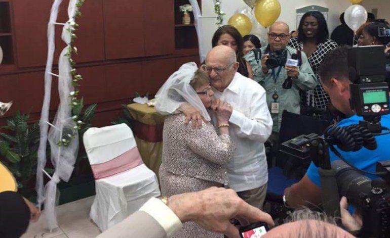 Guatemalteca de 80 años contrae matrimonio con cubano de 95 años en Aventura
