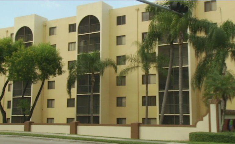 Niña de 3 años cae desde un cuarto piso en un complejo de apartamento en Miami