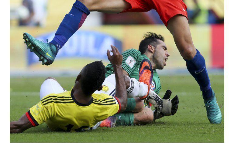 Chile saca valioso empate de visita a Colombia