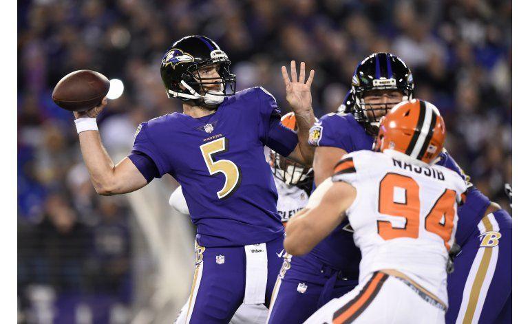 Flacco y Ravens aplastan 28-7 a Browns, que siguen sin ganar