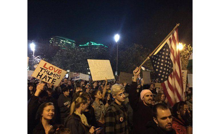 Protestas contra Trump mantienen impulso