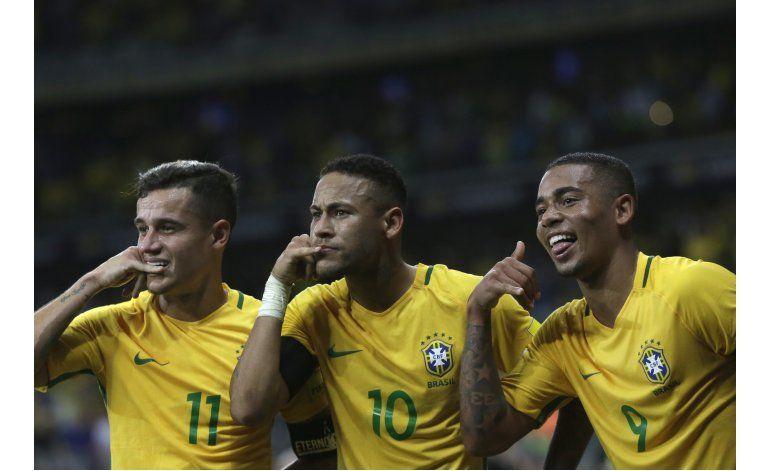Coutinho emerge como figura en el Brasil de Tite