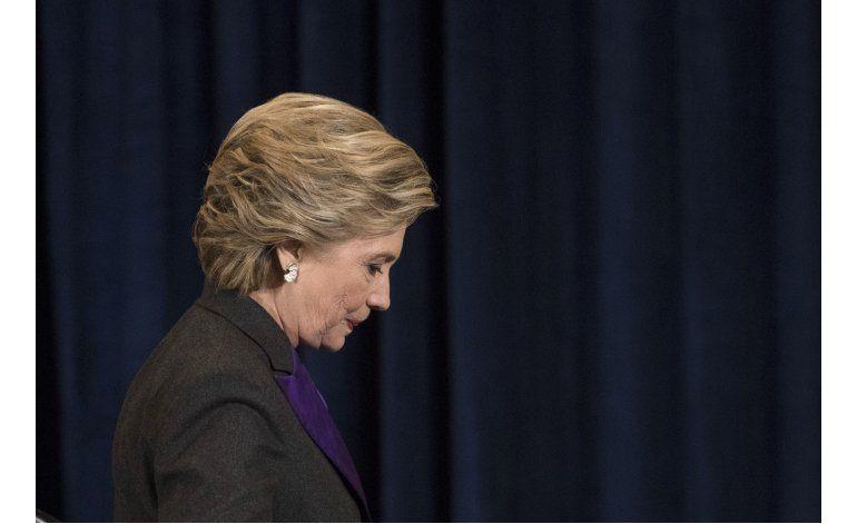 Clinton culpa al director del FBI de su derrota electoral