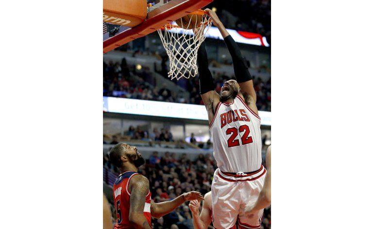 Butler logra 37 puntos y Bulls se imponen a Wizards