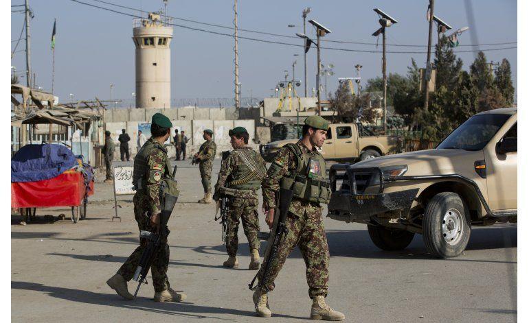 La embajada EEUU en Afganistán cierra tras varios ataques