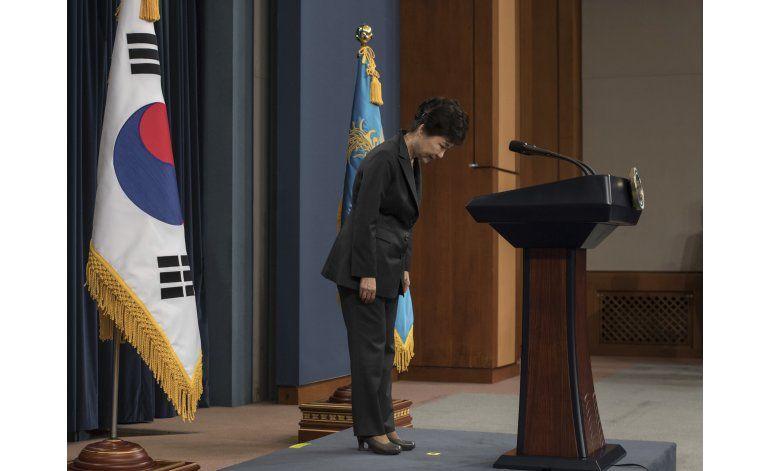Fiscales surcoreanos quieren interrogar a la presidenta
