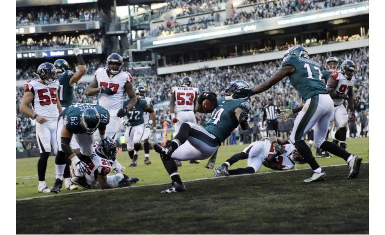 Mathews logra 2 anotaciones; Eagles vencen a Falcons