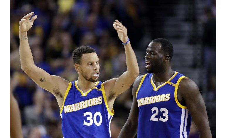 Thompson aporta triples cruciales en triunfo de Warriors