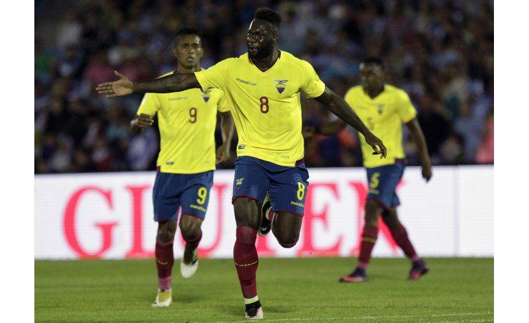Ecuador recupera jugadores quiere ganar a Venezuela