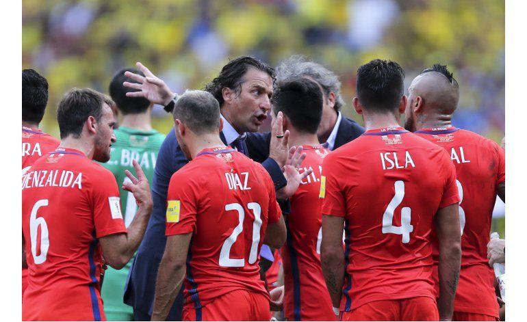 Chile recupera sus figuras para crucial choque con Uruguay