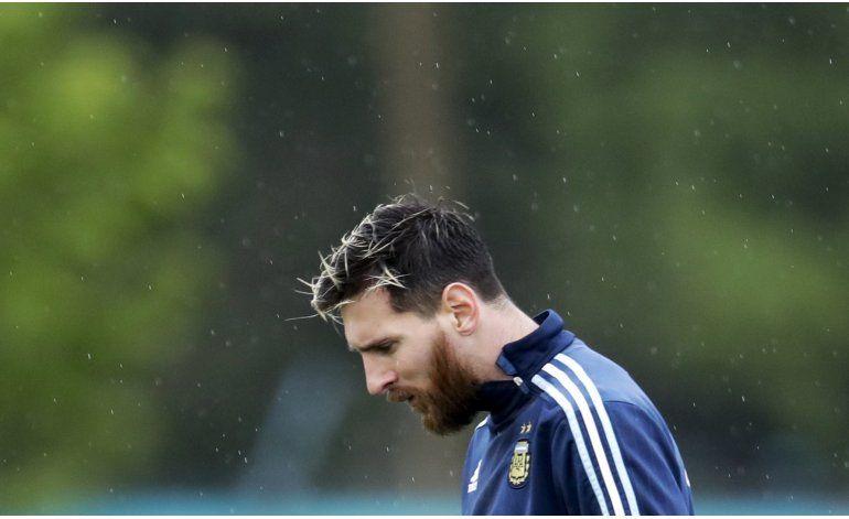 Messi guarda silencio ante rumor de salida del Barsa en 2018