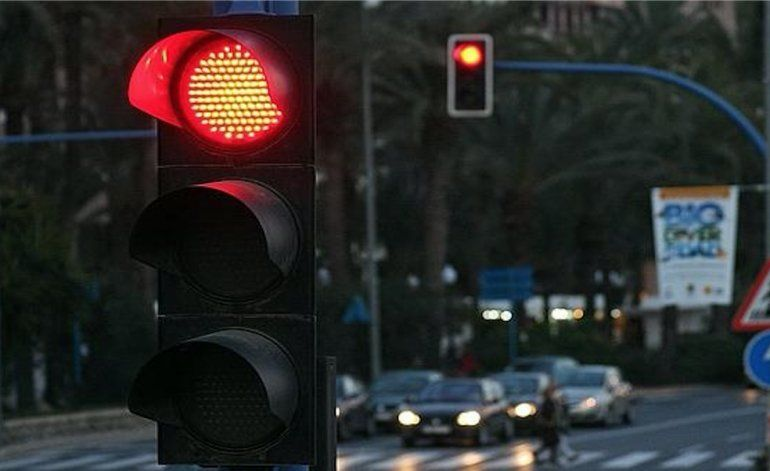 Comienzan a funcionar en Miami los semáforos inteligentes para agilizar el tráfico