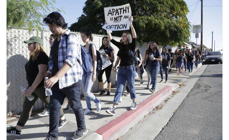 Generación del milenio se manifiesta en contra de Trump