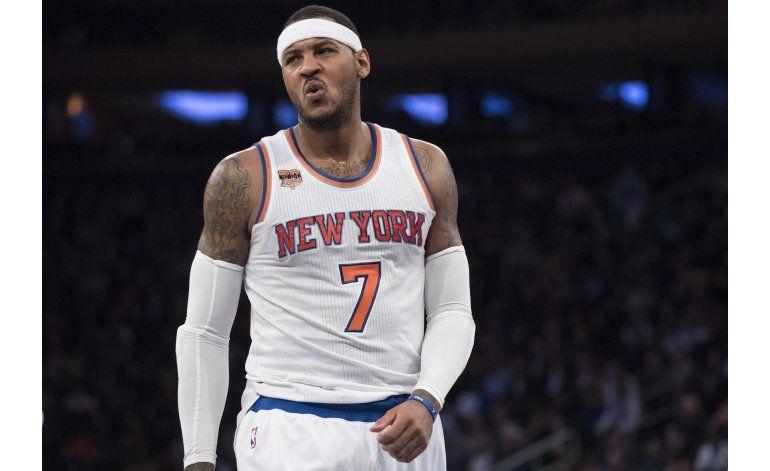 Knicks despiertan en el segundo tiempo al vencer a Mavericks