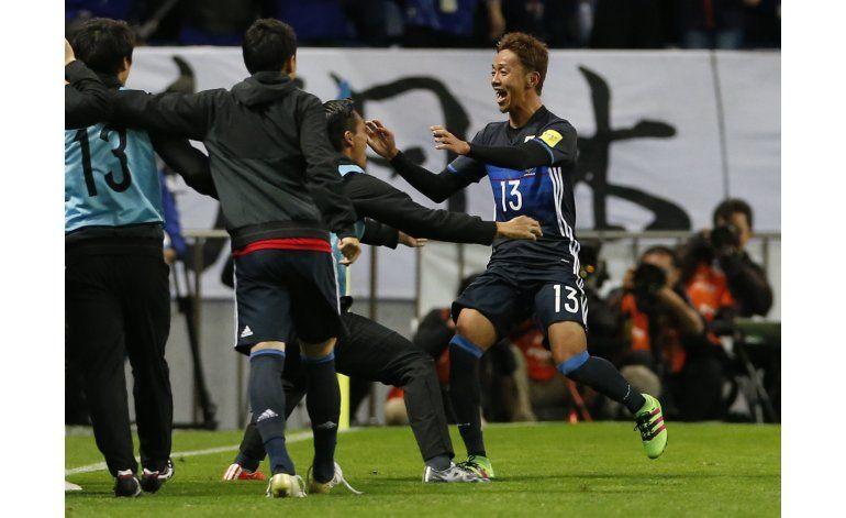 China empata en debut de Lippi, Japón gana en eliminatorias