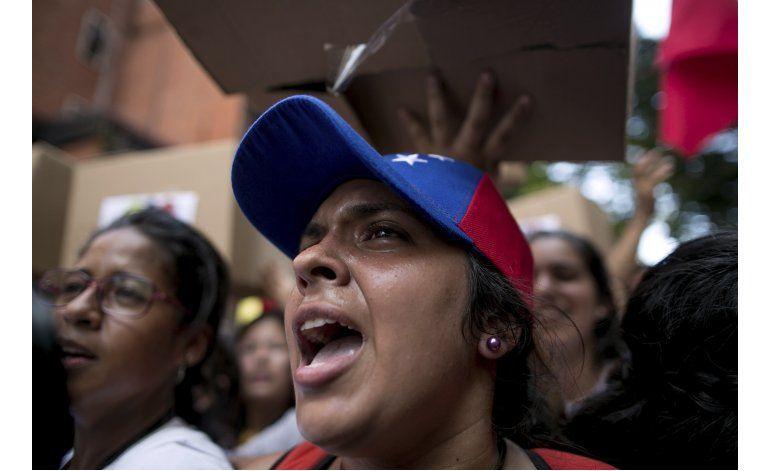 Tribunal Supremo ordena detener juicio político a Maduro