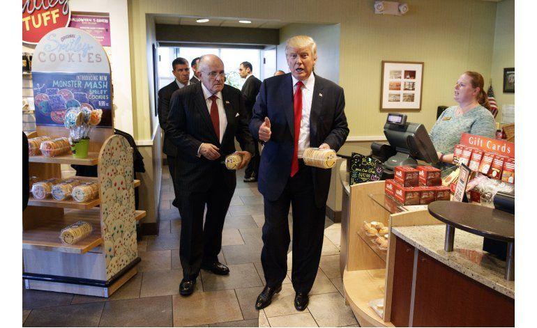 Trump reemplazaría comida sana por hamburguesas