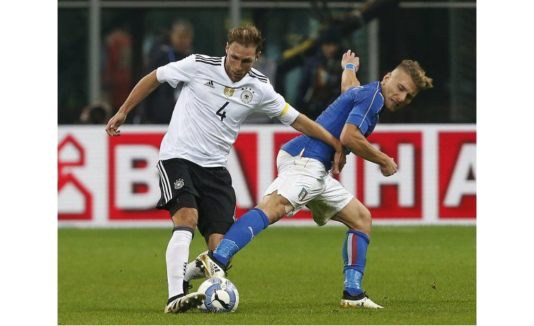 Italia y Alemania aburren con empate sin goles