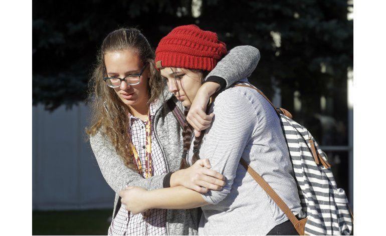Alumno hiere con cuchillo a compañeros en secundaria de Utah