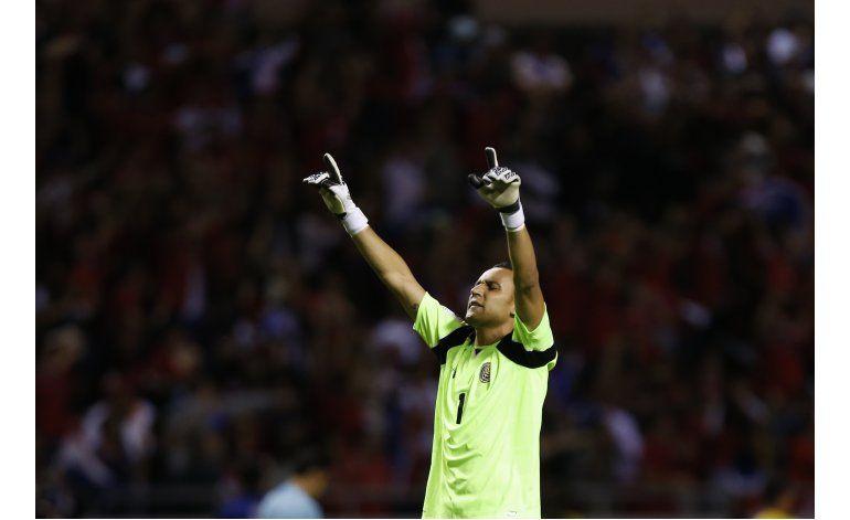 Costa Rica arrasa 4-0 a EEUU, que se hunde en el fondo