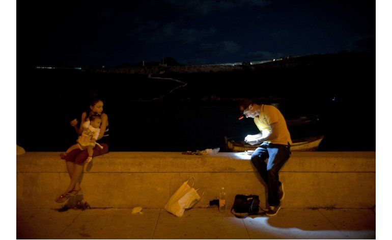 En Cuba, los condones también sirven para capturar peces